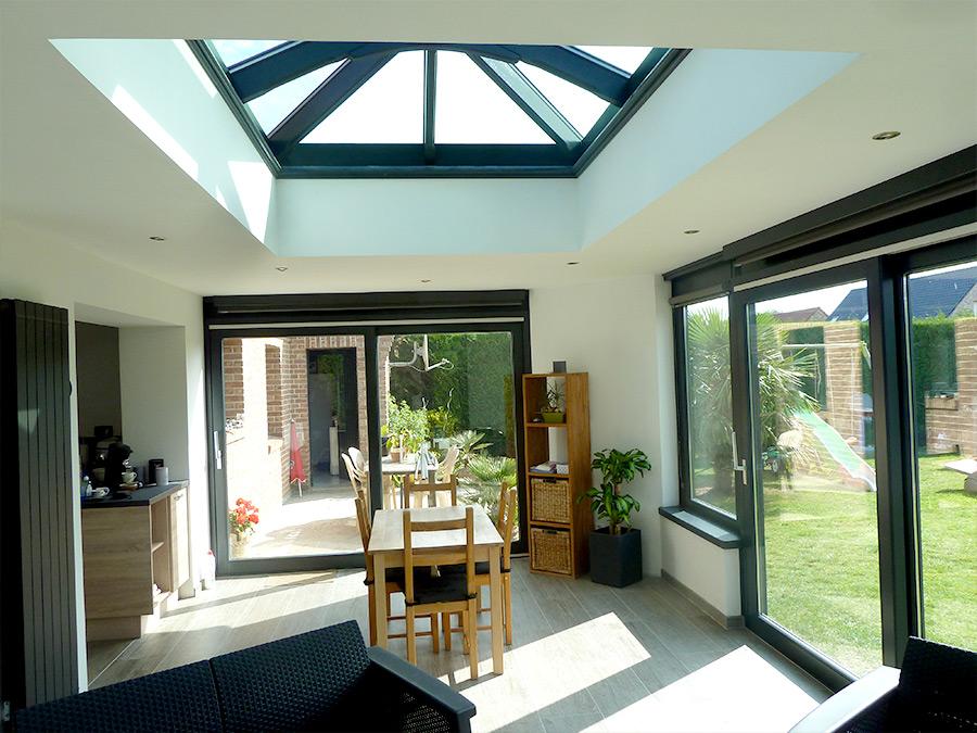 extension de 28m² à Vitry en Artois, toiture plateforme avec verrière.